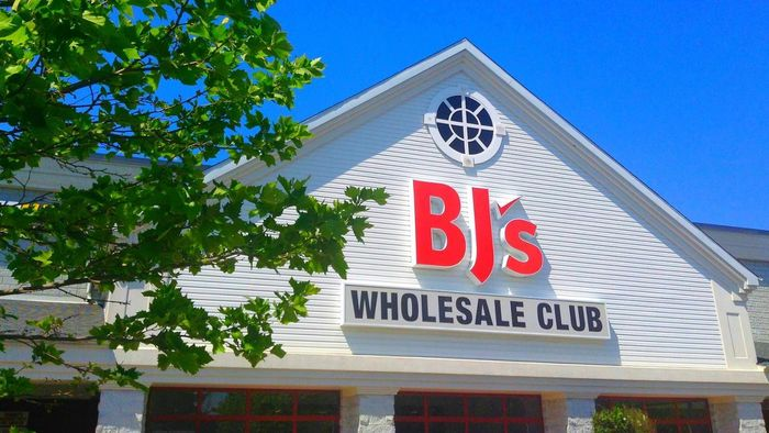 What are the benefits of a BJ's Wholesale Club membership?