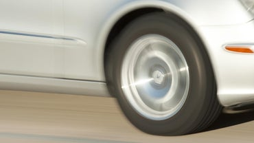 How Do You Determine the Speed Rating on a Set of Tires?