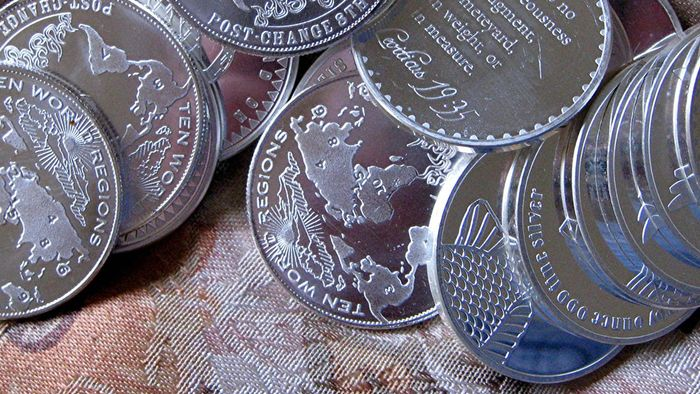 What Is a One Troy Ounce Silver Trade Unit?
