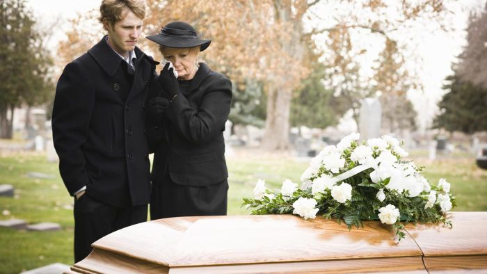 What are some good ideas to include in a funeral sermon?