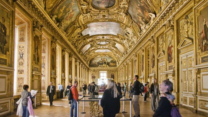 What Are Some Must-See Attractions in Paris?