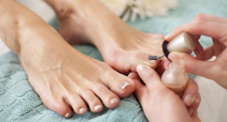 What Are Cures for Toe Nail Fungus?