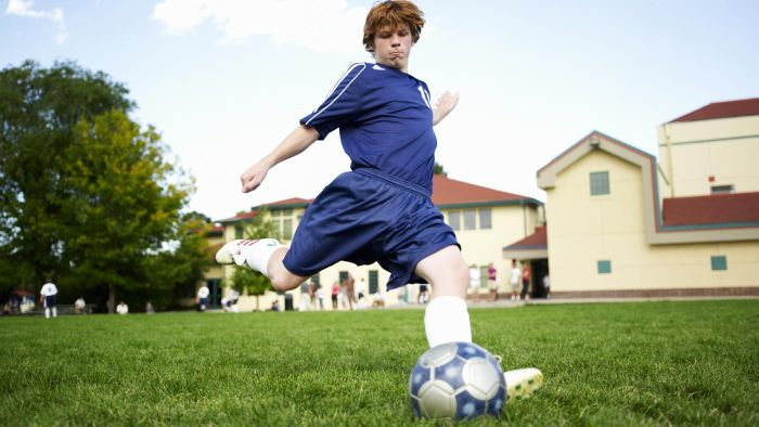 How Do You Find a School With a Good Soccer Program?