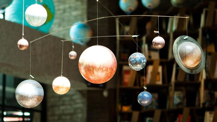 How do you build your own solar system model?