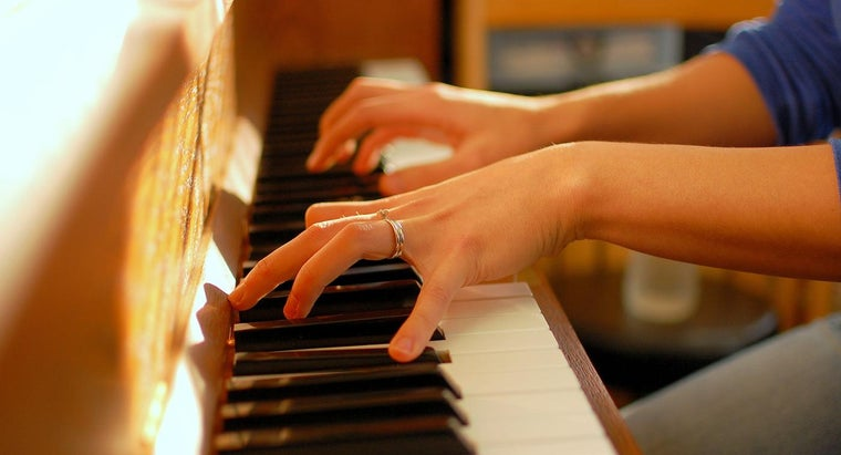 How Do You Find a Piano's Value Using Its Serial Number?