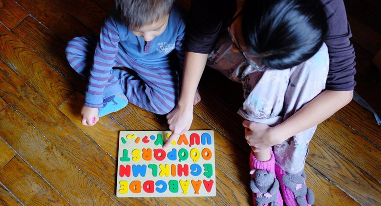 What Are Some Games to Teach Children Their Letters?