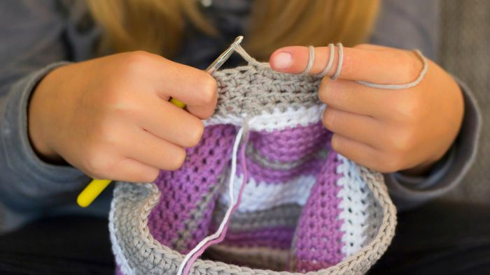 What Is the Best Way to Learn to Crochet?