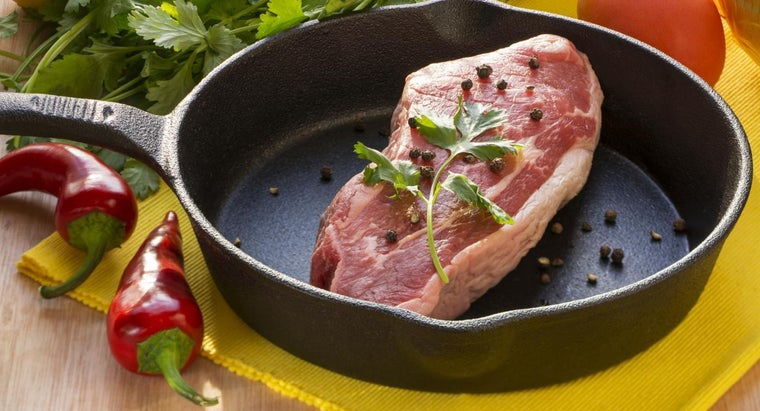 How Do You Cook Tri-Tip in the Oven Using a Roasting Pan?