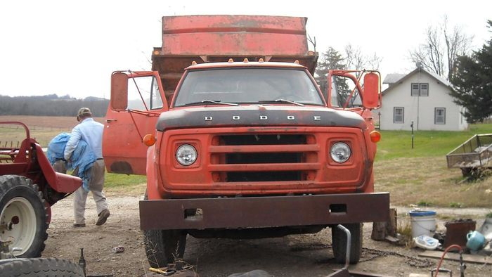 What Are Some Common Dump Truck Specifications?