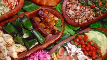 What Are Some Popular Hawaiian Culinary Dishes?