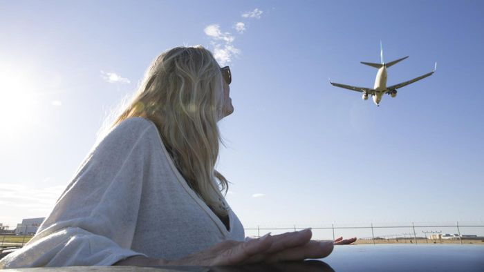 How Can You Track Airplane Routes?