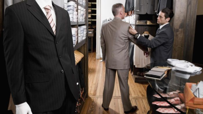 What Are Some Tips for Correctly Measuring a Man's Suit Size?