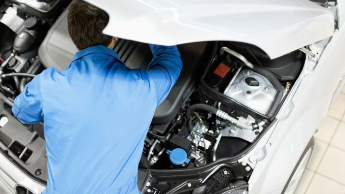 How Do You Remove a Car's Transmission?
