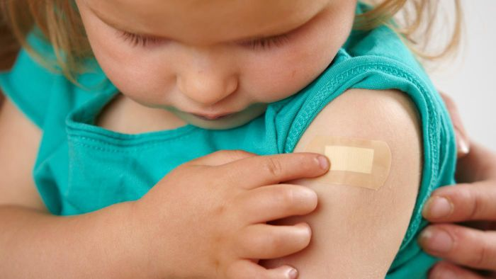 What Are Some Side Effects of the Pertussis Vaccine?