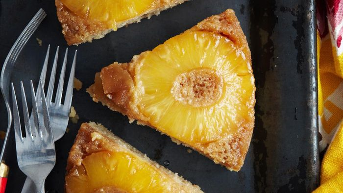 What Are the Common Ingredients in Easy Pineapple Cake Recipes?