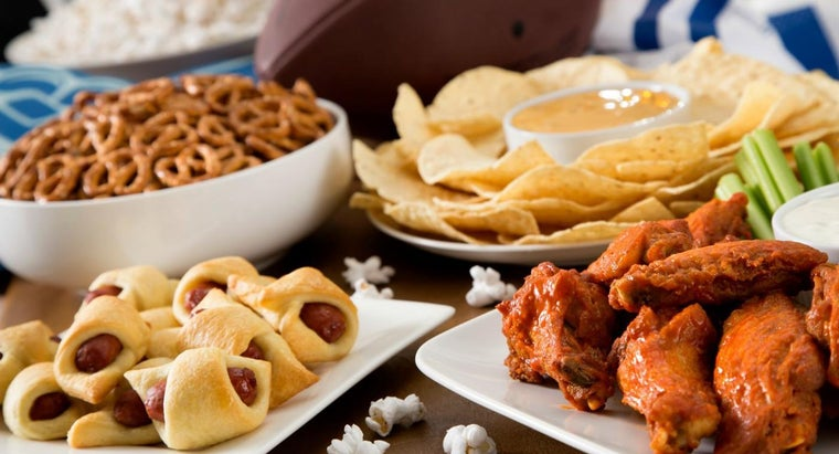 What Are Some Ideas for Super Bowl Party Foods?