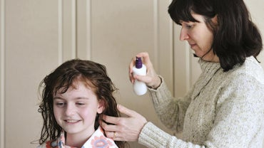 What Are Home Remedies for Lice Eggs?