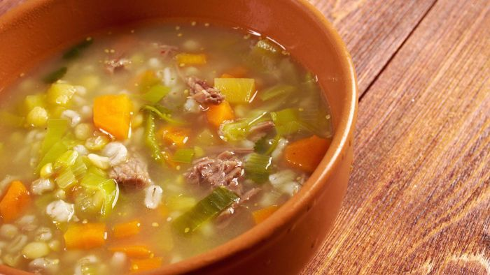 What Is a Recipe for Homemade Beef Barley Soup?