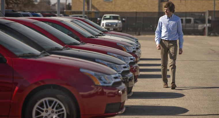 How Many Cars Are Sold Per Day in the United States?