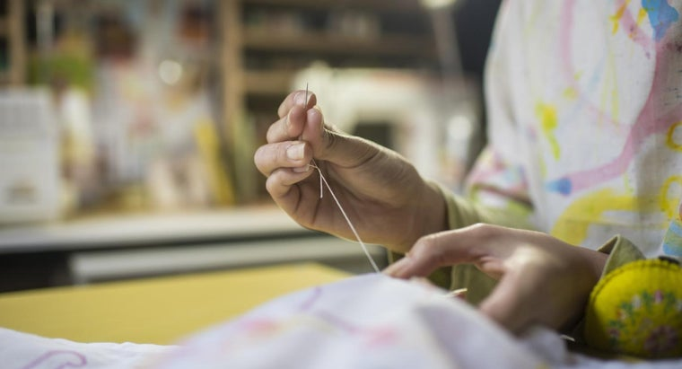 What Are Some Simple Sewing Projects?