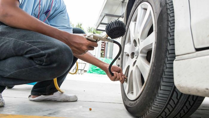How Do You Calculate the Correct Air Pressure for the Tires on Your Car?