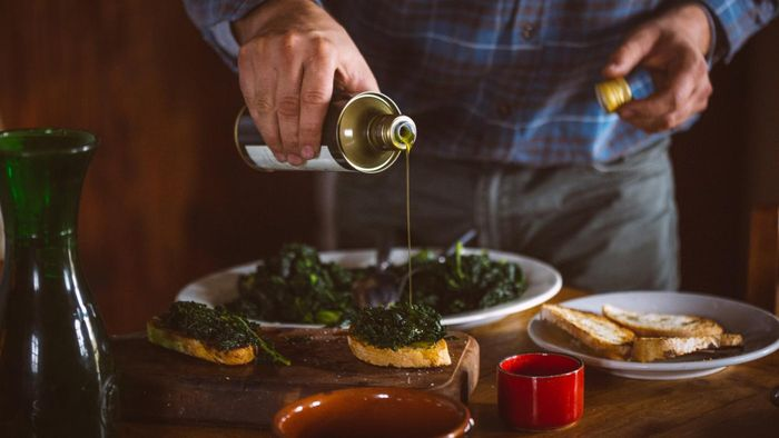 How Can You Determine the Expiration Date of Olive Oil?