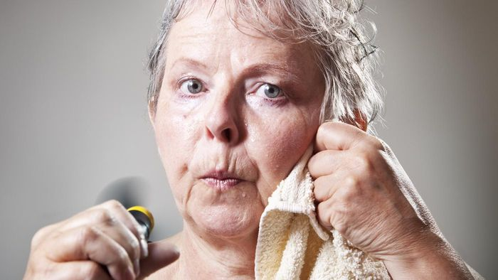 How Can a Person Reduce the Incidence of Hot Flashes?