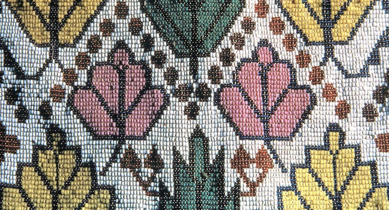 What Are Some Common Native American Beading Patterns?