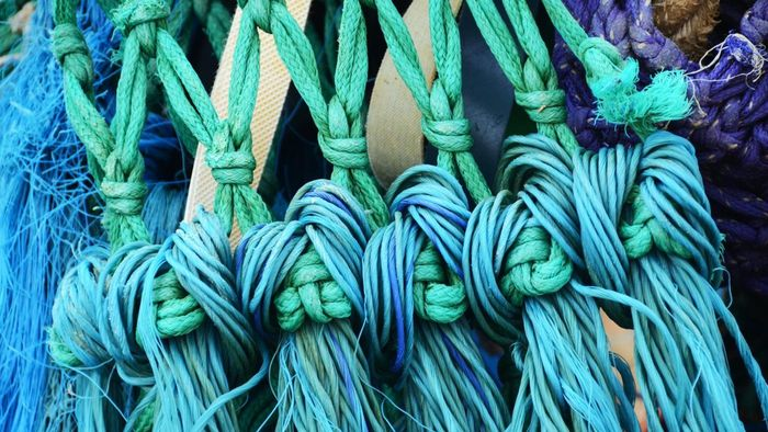 How do you tie fishing knots?
