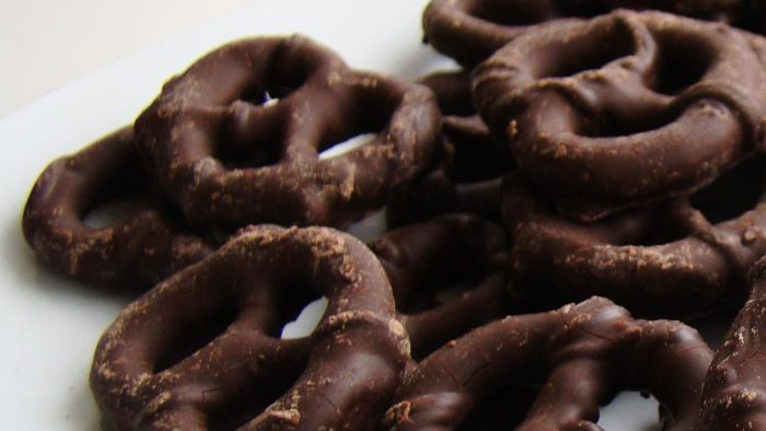 How Do You Make Chocolate-Covered Pretzels?