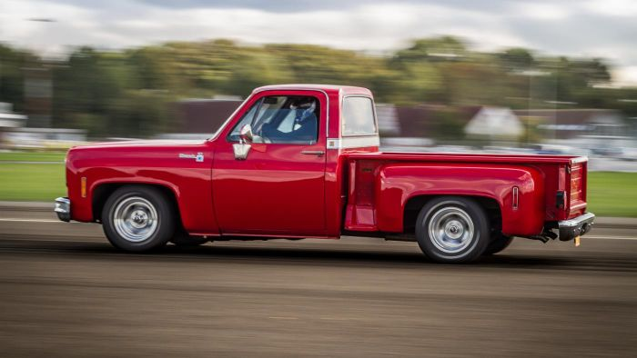 What kind of gas mileage does a pickup truck get?