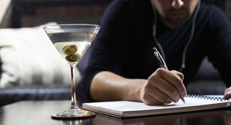 What Is a Good Recipe for a Top-Shelf Vodka Martini?