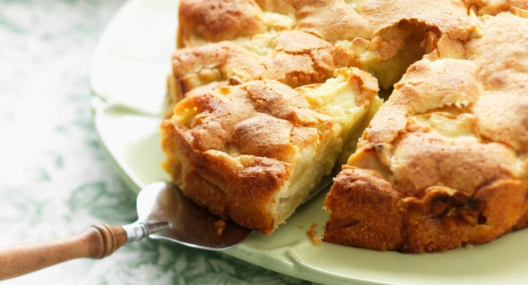 How Do You Make Apple Cake From Cake Mix?