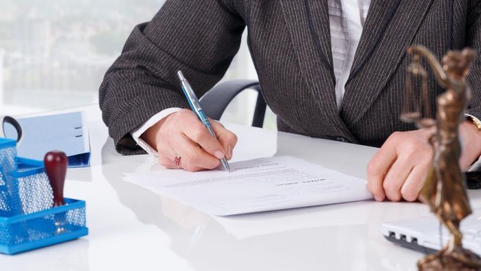 How Much Does a Notary Public Cost?