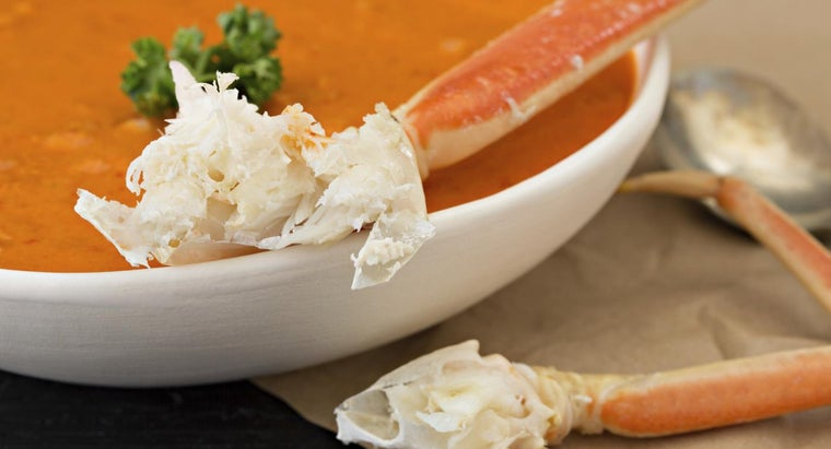 What Are Some Good Crab Bisque Recipes?