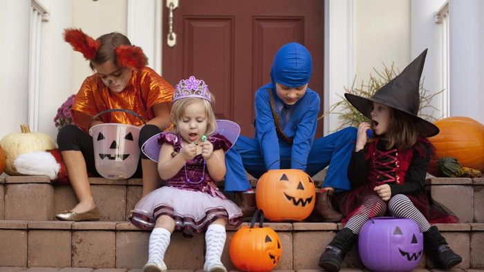 """How Did """"trick or Treat"""" Become Part of Halloween?"""