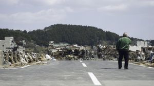 What Organizations Broadcast Emergency Information About Tsunamis?