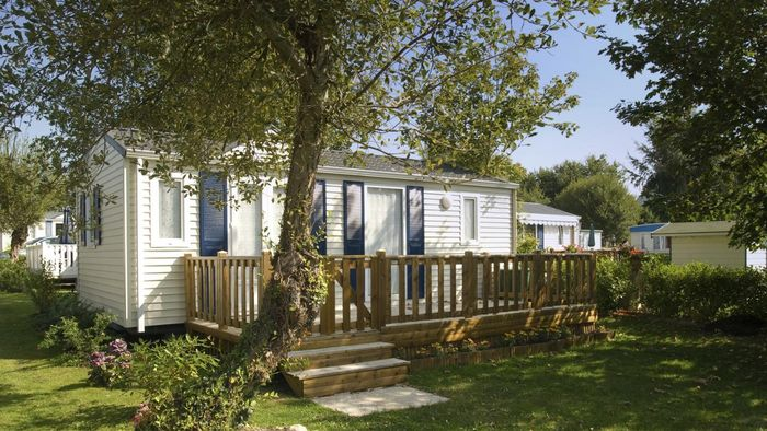 What Are Benefits of Senior Citizens Choosing a Mobile Home in a Retirement Park?