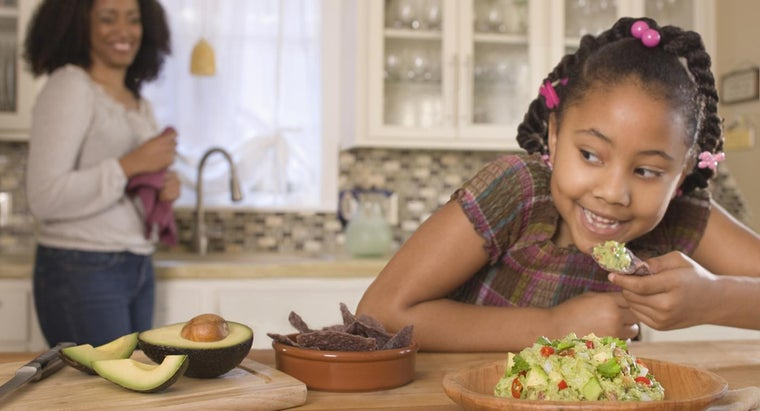 What Is a Quick and Easy Guacamole Recipe?