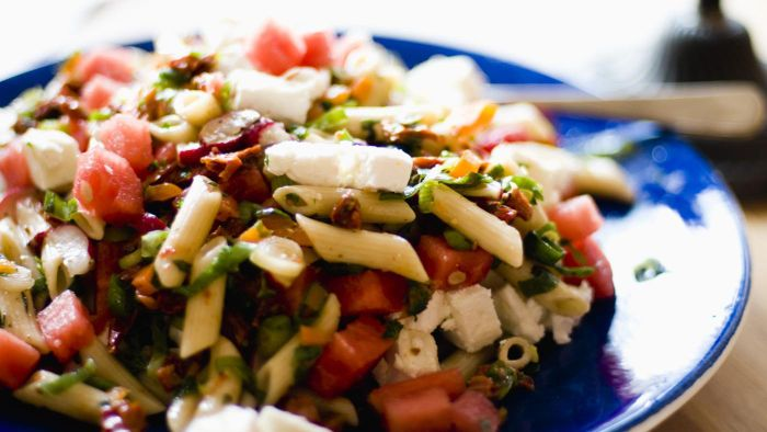 What Is an Easy Italian Pasta Salad Recipe That Uses Salami?