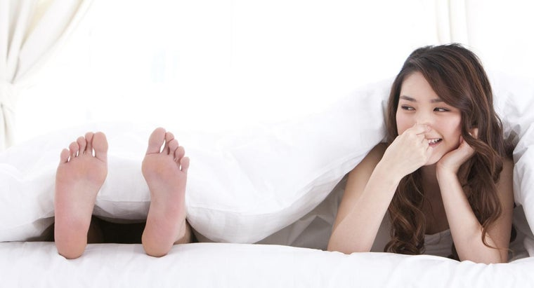 What Are Some Home Remedies for Stinky Feet?
