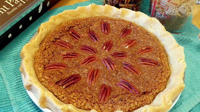 Does Paula Deen Have a Good Thanksgiving Recipe for Pecan Pie?