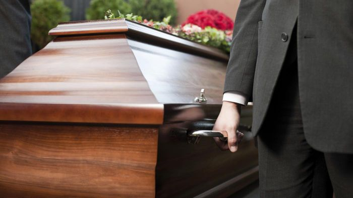 Do Funeral Homes Post Obituaries Online?