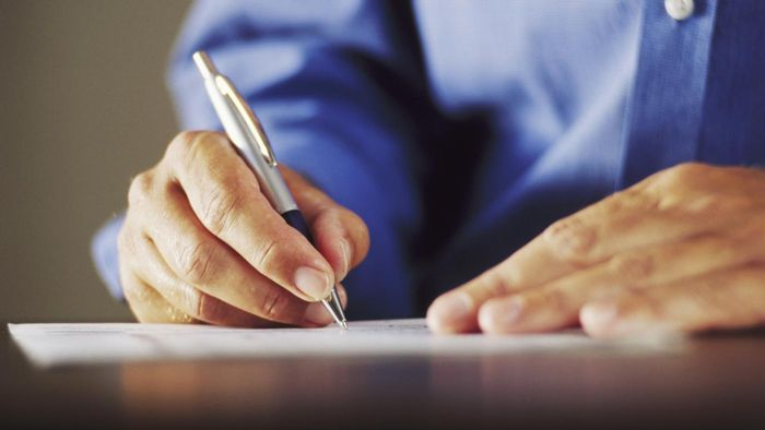 How Do You Fill Out a Quitclaim Deed?