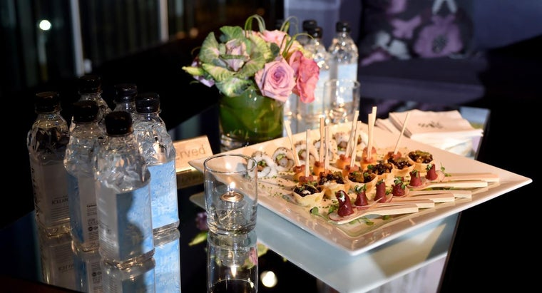 What Are Some Easy Appetizer Options for a Crowd?