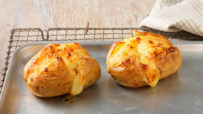At what temperature should you bake a potato?