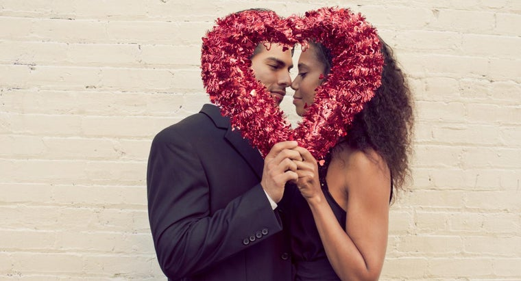 What Are Some Common Valentine's Day Images?