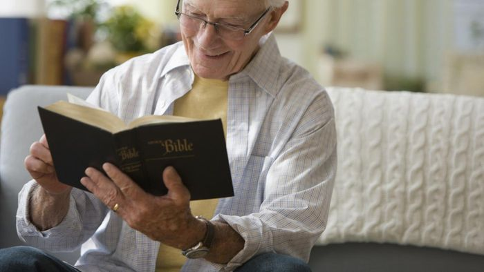 Where Can You Access a Study Bible Dictionary?
