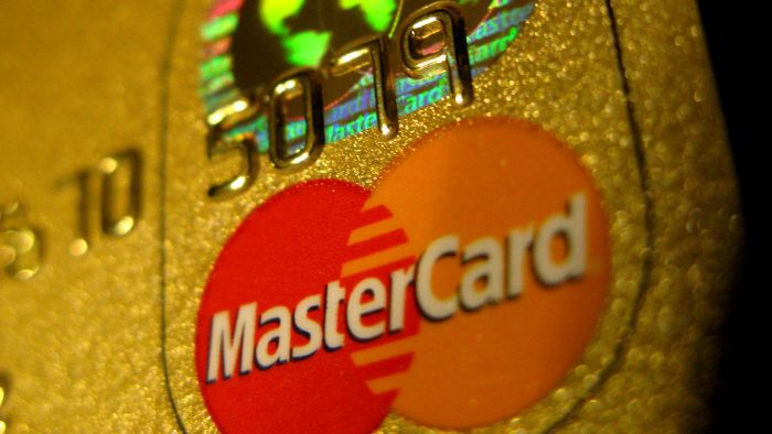 What Are Some Ways to Pay a MasterCard Bill Online?