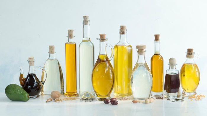 How Is Vinegar Used to Combat Fungal Infection?